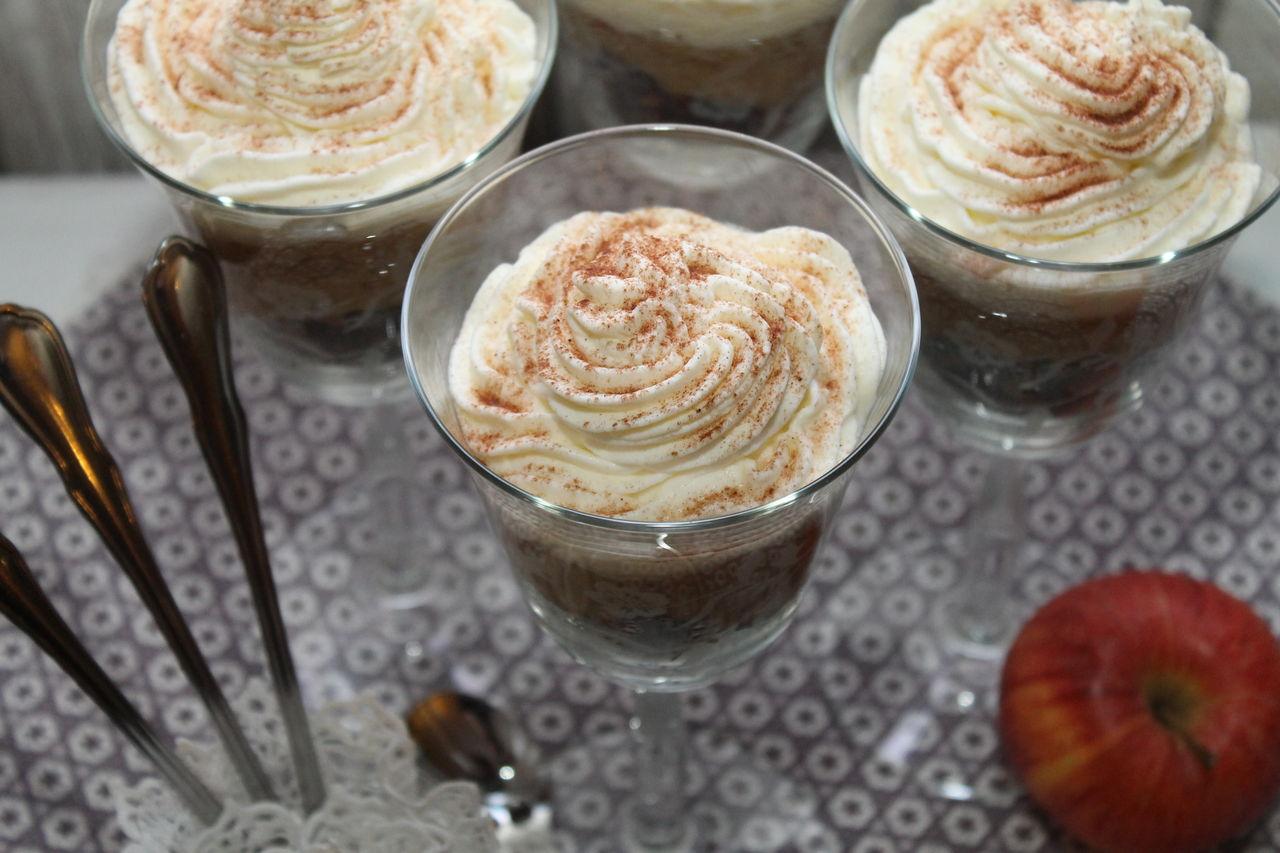 apfelkuchen mal anders warmer apfelkuchen im glas cuplovecake. Black Bedroom Furniture Sets. Home Design Ideas