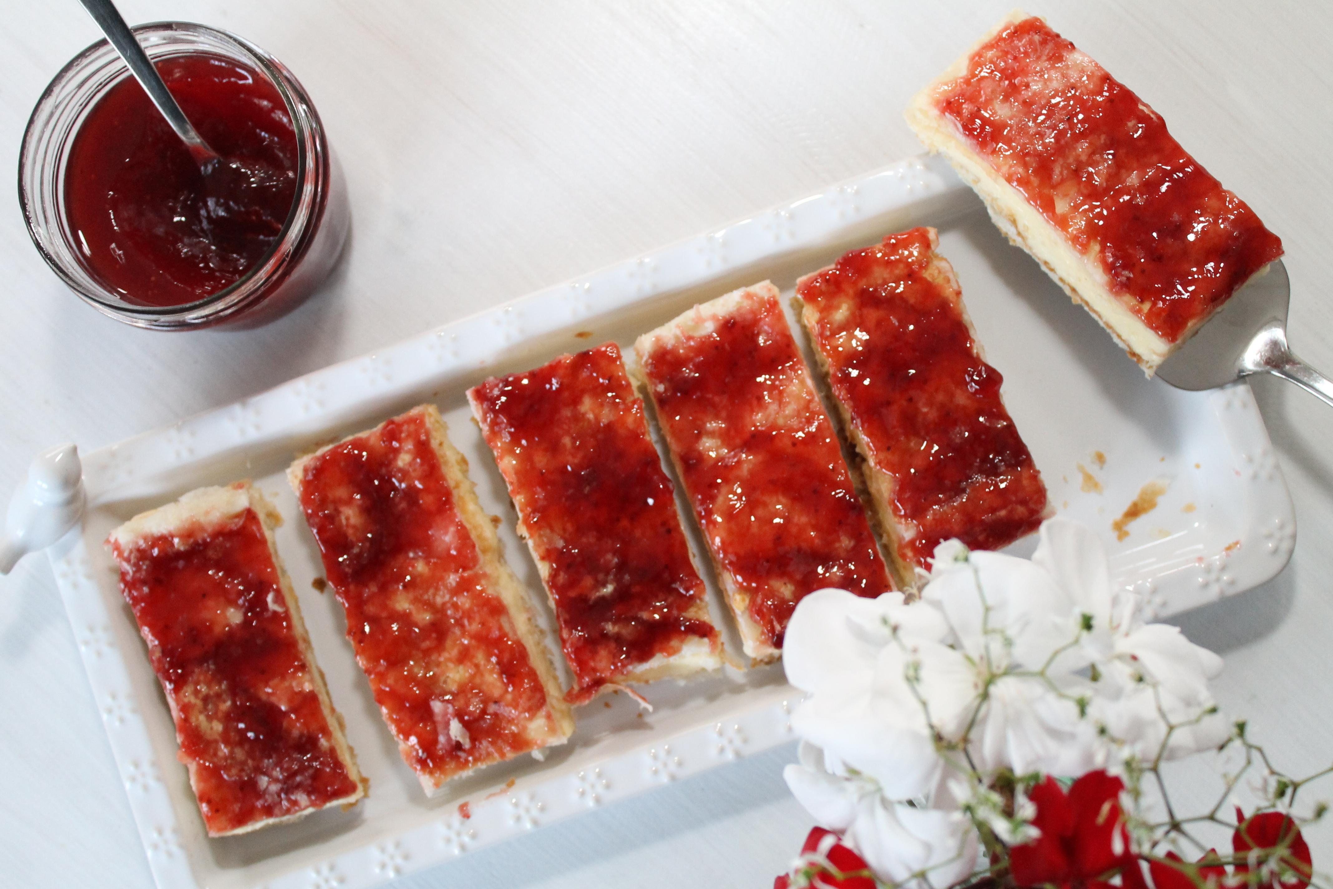 vanille cremeschnitten mit oder ohne marmelade sie schmecken himmlisch cuplovecake. Black Bedroom Furniture Sets. Home Design Ideas