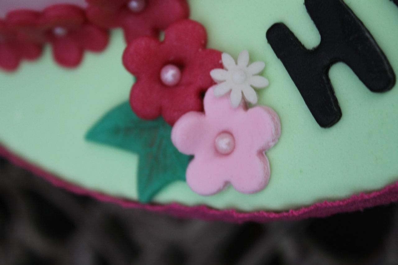 Marienkafer Torte Zum Geburtstag Und Fusschen Taufkekse Fur Eine