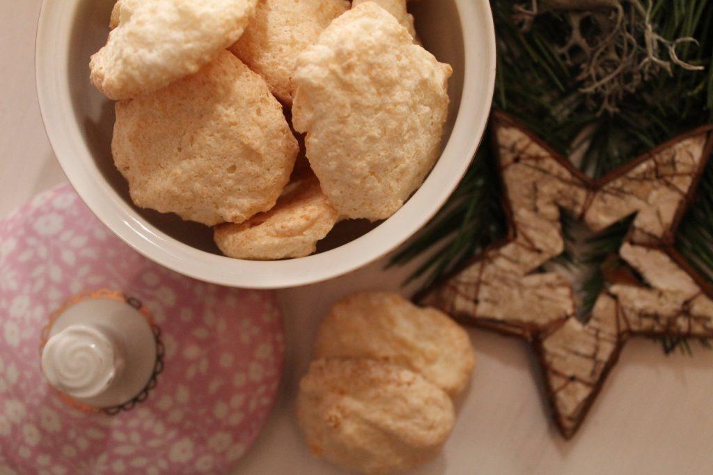 Weihnachtsplätzchen Kokosmakronen.Advent Cuplovecake