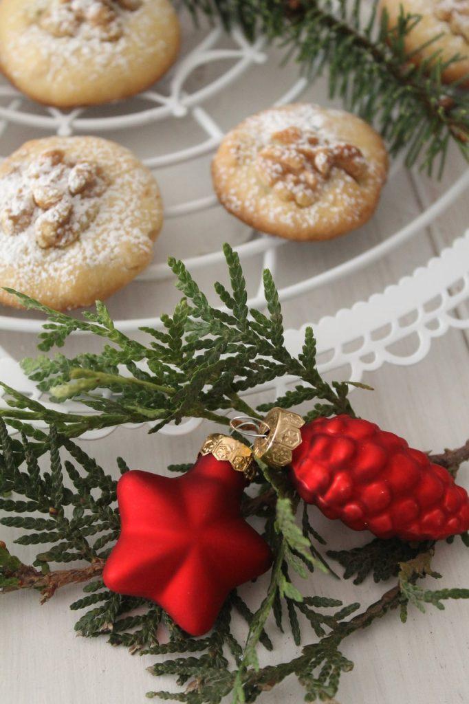 weihnachten international amerikanische walnut cranberry. Black Bedroom Furniture Sets. Home Design Ideas